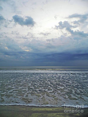 Photograph - Stormy Beach Beauty by D Hackett