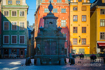 Stan Photograph - Stortorget Fountain by Inge Johnsson