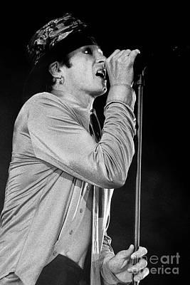 Stone Temple Pilots Photograph - Stp-2000-scott-0934 by Timothy Bischoff