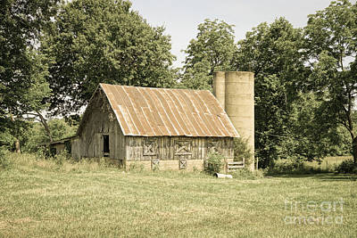 Photograph - Strafford Mo Barn Antique by Jennifer White