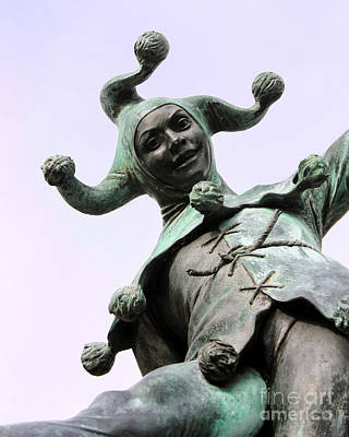 Photograph - Stratford's Jester Statue by Terri Waters