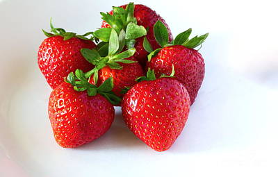 Photograph - Strawberries On White by Les Weber