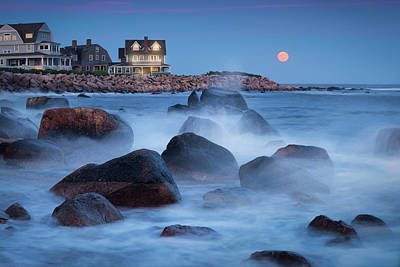 Photograph - Strawberry Moon At Spray Rock by Kim Carpentier