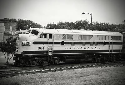 Photograph - Streamliners At Spencer D L L 664 B W 40 by Joseph C Hinson Photography