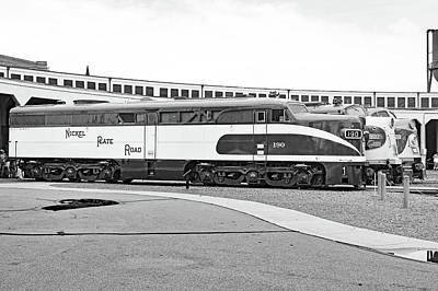 Photograph - Streamliners At Spencer Nickel Plate 190 B W 20 by Joseph C Hinson Photography