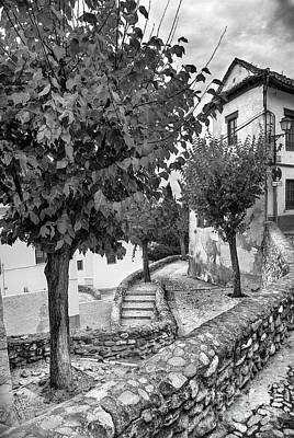 Street In Historic Albaycin In Granada Bw Art Print