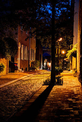 Street In Olde Town Philadelphia Print by Mark Dodd