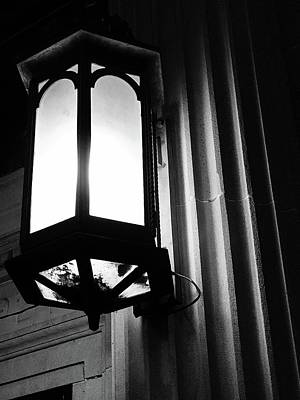 Photograph - Street Light by Daniel Thompson