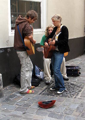 Photograph - Street Musicale Paris by T Guy Spencer