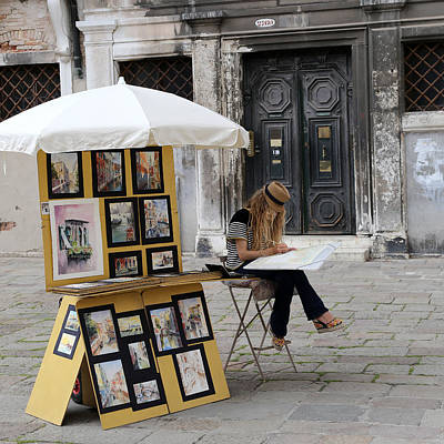 Photograph - Streets Of Venice 7 by Andrew Fare