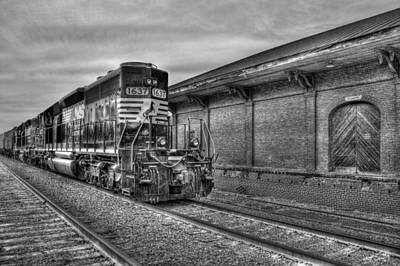 Strong Iron Locomotive 1637 Norfolk Southern Art Print