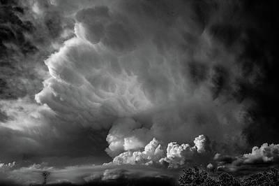 Photograph - Strong Nebraska Thunderstorms 005 by NebraskaSC