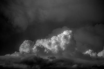 Photograph - Strong Nebraska Thunderstorms 014 by NebraskaSC