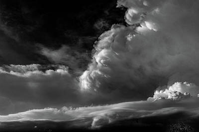 Photograph - Strong Nebraska Thunderstorms 016 by NebraskaSC