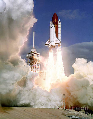 John F Kennedy Space Center Photograph - Sts-27, Space Shuttle Atlantis Launch by Science Source