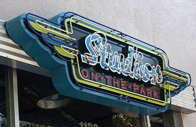 Photograph - Studios On The Park Vintage Neon by Suzanne Gaff