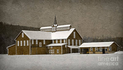 Photograph - Stylistic Country Barn by John Stephens