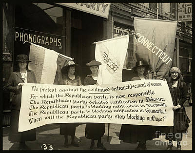Womens Photograph - Suffragettes Picketing The Republican Convention, Chicago, June 1920 by Tina Lavoie