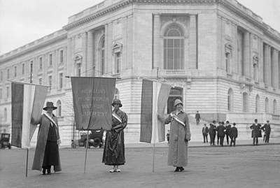 Social Movements Photograph - Suffragettes Picketing The Senate by Everett