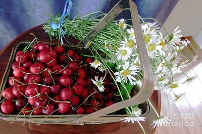 Photograph - Summer Basket by Vicky Tarcau
