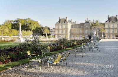 Summer Day Out At The Luxembourg Garden Art Print