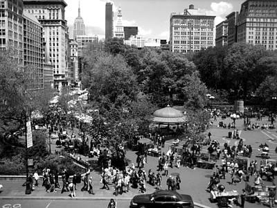 Black And White Photograph - Summer Days In The City by Gerard Yates