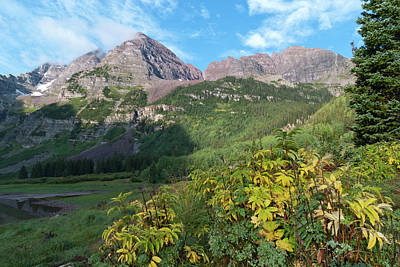 Photograph - Summer Meets Autumn At The Maroon Bells by Cascade Colors