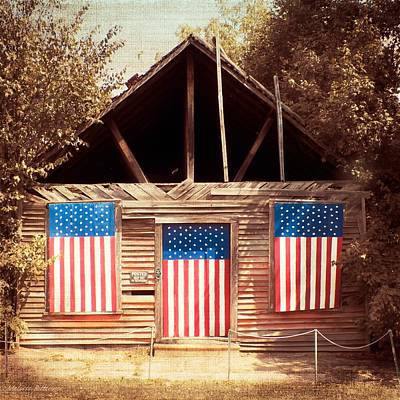Summerfield Photograph - Summerfield Flag Barn by Melissa Bittinger