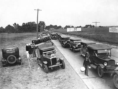 Summertime Country Traffic Jam Art Print by Underwood Archives