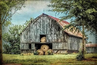 Summerfield Photograph - Summertime Rustic Barn Summerfield North Carolina by Melissa Bittinger