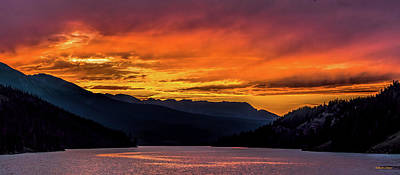 Photograph - Summit Cove Sunset At Lake Dillon by Stephen Johnson