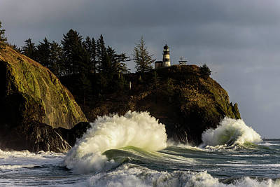Photograph - Sun And Surf With Lighthouse by Robert Potts