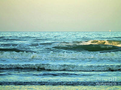 Photograph - Sun Kissed Wave by D Hackett