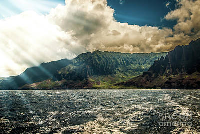 Photograph - Sun Rays On Na Pali Coast by Blake Webster