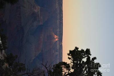 Comedian Drawings - Sun Set Canyon by Daniel Shearer
