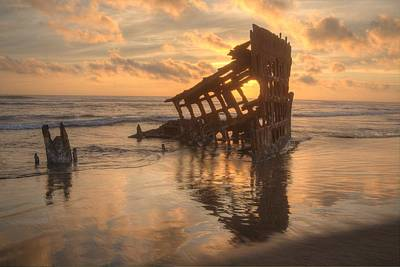 Peter Iredale Photograph - Sun Setting Behind Peter Iredale 0089 by Kristina Rinell