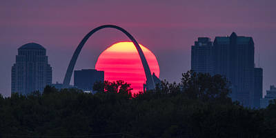 Photograph - Sun Setting Behind The Arch by Garry McMichael