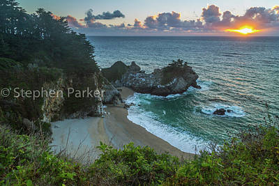 Photograph - Sunset At Julia Pfeiffer Burns State Park 8b5375 by Stephen Parker