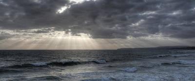 Sunbeams Over Pacific Ocean Art Print by Cliff Wassmann