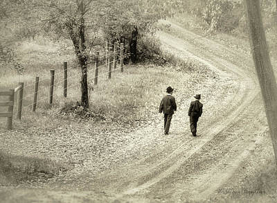 Photograph - Sunday Stroll by William Beuther