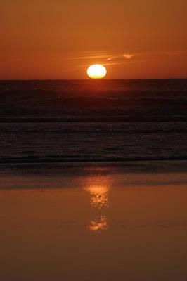 Photograph - Sundown On The Ocean by Jeff Swan