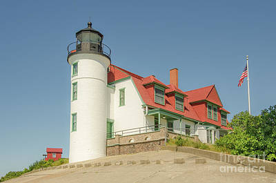 Photograph - Sunlight On Point Betsie Lighthouse by Sue Smith