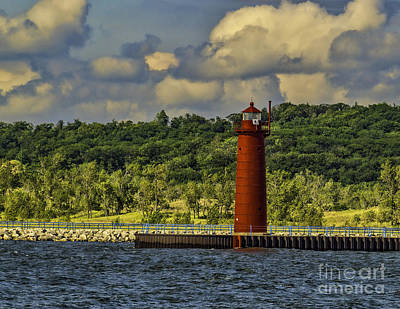 Muskegon Lighthouse Wall Art - Photograph - Sunny At Muskegon Channel Light by Nick Zelinsky
