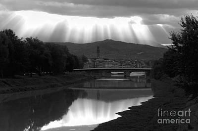 Photograph - sunrays on Firenze by Leonardo Fanini