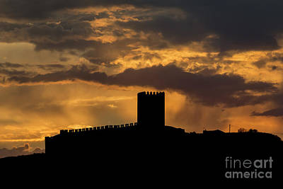 Photograph - Sunrays Over The Castel by Compuinfoto