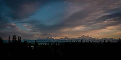 Sunrise And The Alaska Range Art Print