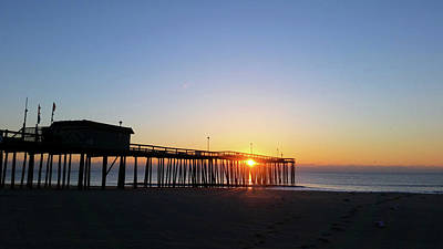 Beach Photograph - Sunrise And The Pier by Robert Banach