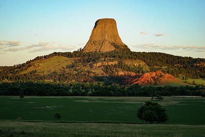 Photograph - Sunrise At Devils Tower by Bill Gabbert