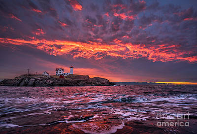 Sunrise At Nubble Lighthouse Art Print