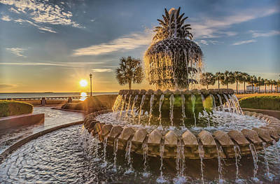 Photograph - Sunrise At Pineapple Fountain by Lynne Jenkins
